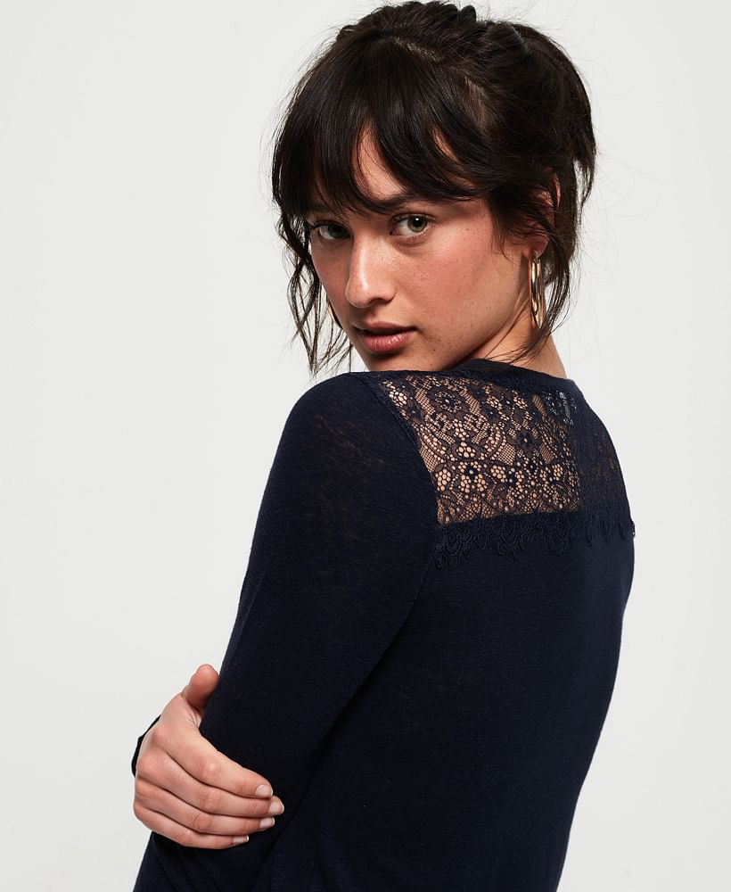LACE BACK GRAPHIC TOP