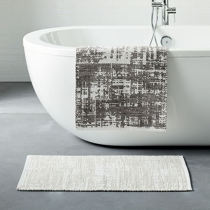Organic Distressed Texture Bath Mat, Gray Sky