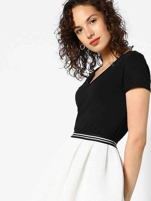 Women's regular fit V-neck half sleeves Halis V t-shirt