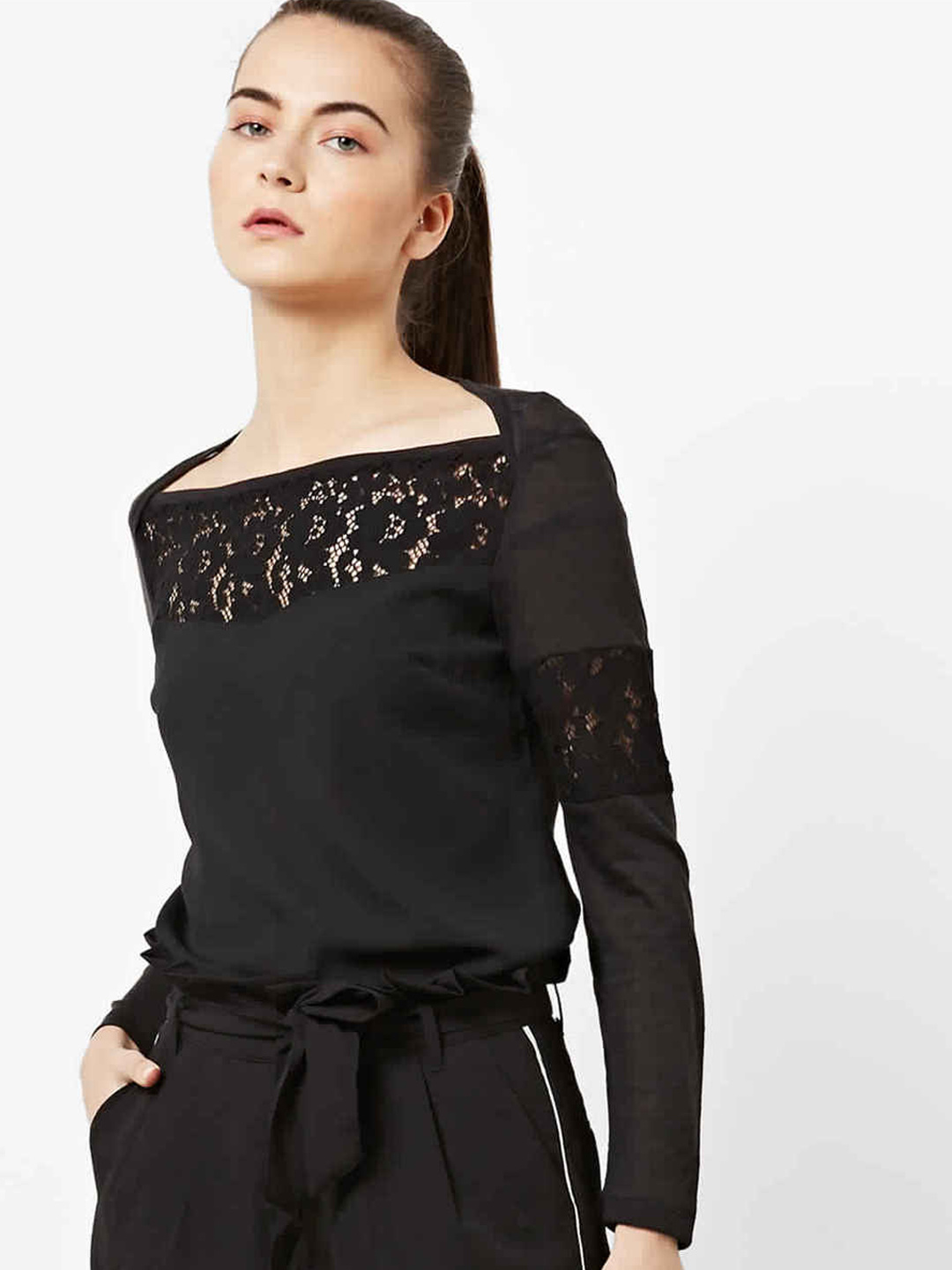 Women's slim fit boat neck long sleeves Nazellis lace top
