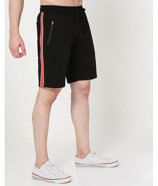 Men's Donald Tape In Slim Fit Shorts