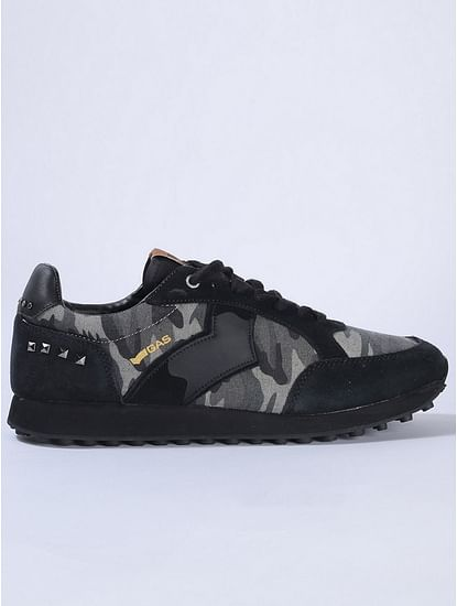 Camouflage Print Lace-Up Canvas Shoes