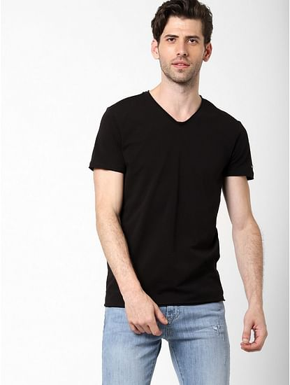 Men's Scuba v basic solid v-neck black t-shirt