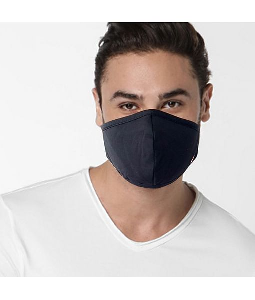 GAS knitted solid black mask