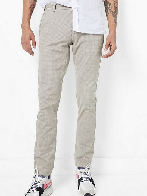 Skinny Fit Mid-Rise Flat-Front Chinos