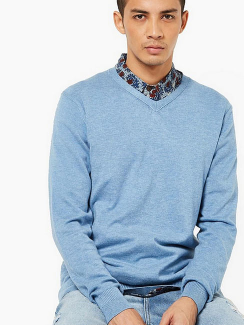 Men's Jonnye solid V neck light blue pullover