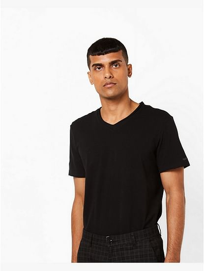 Men's Scuba v basic solid v-neck black t-shirt