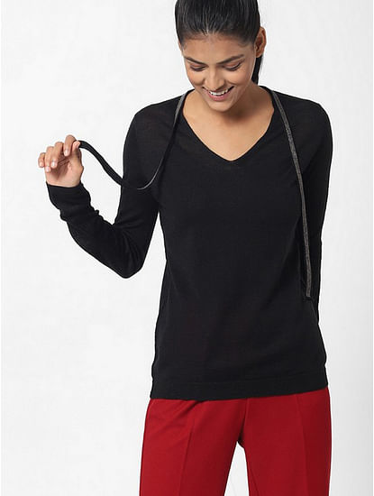 Women's slim fit V neck full sleeves Sibylla string top