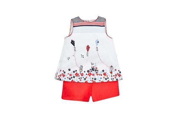 White Kite Border Blouse And Red Shorts Set