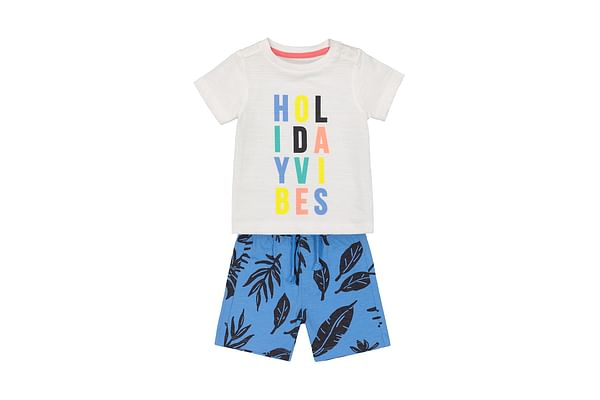 Boys Half Sleeves T-Shirt And Shorts Set Text Print - White Red